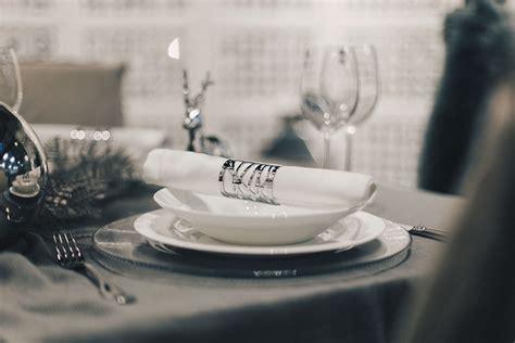 Weihnachtlich Dekorieren Tipps by Minimalistische Tisch Deko Zu Weihnachten Tipps Und Tricks