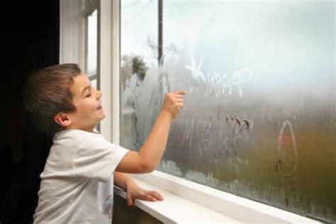 Потеют окна в квартире изнутри что делать народные средства пошаговый монтаж оконного клапана