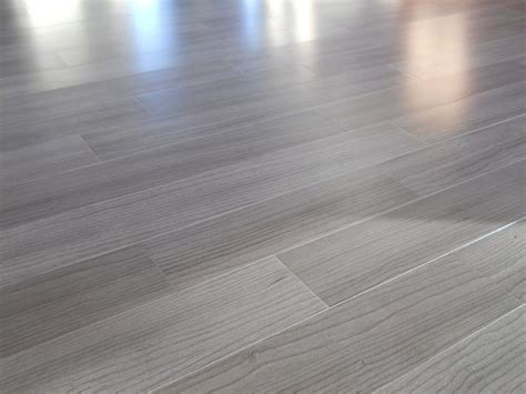 gray wood flooring 25 best ideas about maple wood flooring on pinterest maple hardwood floors hardwood floors