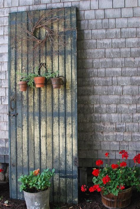Old Primitive Decorating Ideas Purposed Door