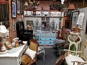 Ventura antique market