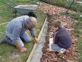 Bordure Pour Jardin En Pente by Bordures De Jardin En Beton Bordure Jardin Beton Sur