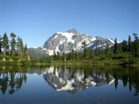 Picture Lake Und Mt. Shuksan