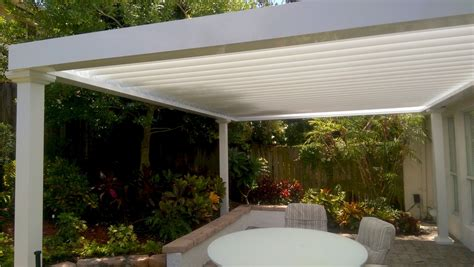 alumicenter  partners  equinox louvered roof