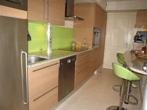 cuisine en ch麩e clair cuisine amenagee chene clair maison design bahbe com
