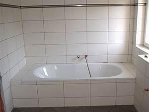 Behindertengerechte Badezimmer Beispiele : badewanne fliesen bilder wohn design ~ Eleganceandgraceweddings.com Haus und Dekorationen