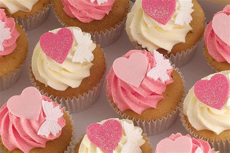 day cupcakes mother s day cake cupcakes for mothering sunday rachael s kitchen