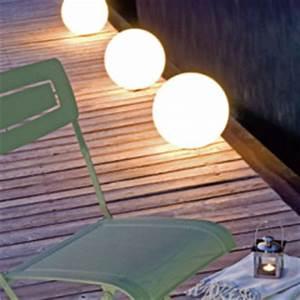 Luminaire De Jardin Exterieur : bassin ext rieur une mise en lumi re utile et s re ~ Edinachiropracticcenter.com Idées de Décoration