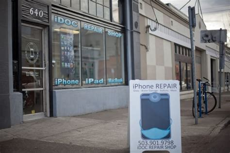 iphone repair shops me idoc iphone repair shop mobile phone repair central