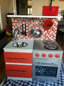 diy construire une cuisine pour enfant sur une base ikea With fabriquer une cuisine en bois pour enfant