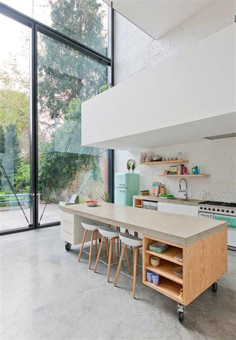 photo de cuisine ouverte avec ilot central comment bien aménager une cuisine ouverte visitedeco