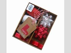 Christmas Gift Wrap Set Red & White