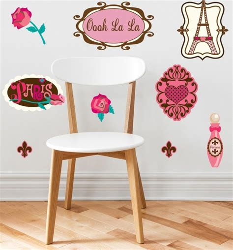 décoration murale chambre bébé fille stickers chambre bébé fille pour une déco murale originale
