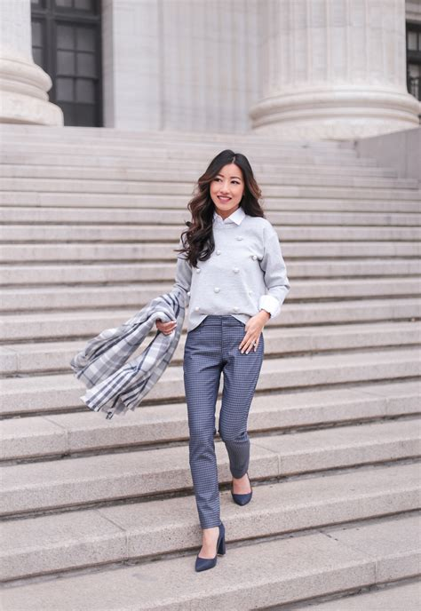 How to Layer // Banana Republic Petite Winter Work Outfit