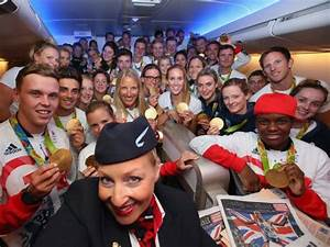 Rio 2016: Team GB fly home on 'victoRIOus' British Airways ...