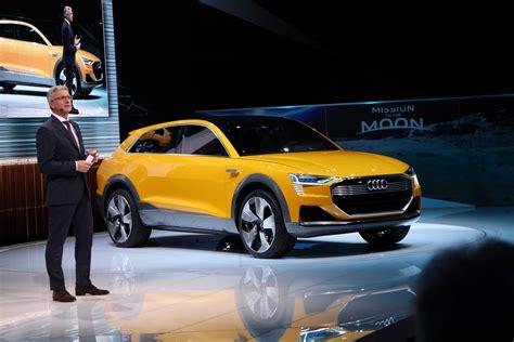 audi  tron quattro concept swaps  hydrogen fuel cell