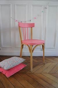 Chaise Moderne Avec Table Ancienne : relooker des meubles peut tre facile et amusant ~ Teatrodelosmanantiales.com Idées de Décoration