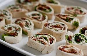 Wraps Füllung Vegetarisch : tomaten rucola r llchen vegane rezepte in vorspeisen kleinigkeiten essen pinterest ~ Markanthonyermac.com Haus und Dekorationen