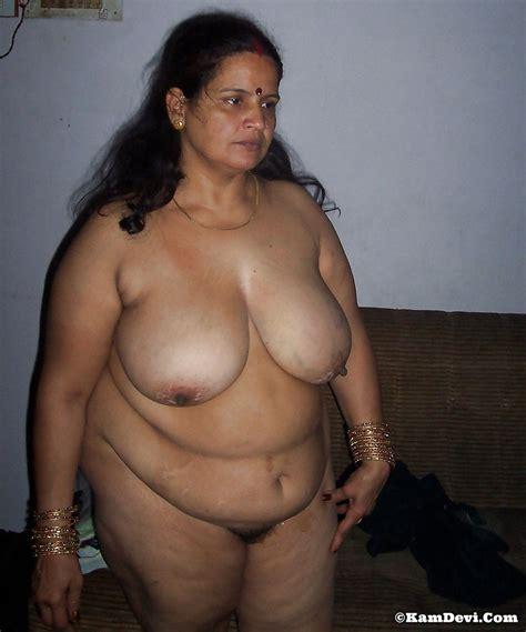 Hot Telugu Bhabhi Big Boobs Photos
