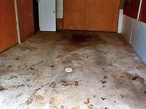 How To Paint A Garage Floor  Howtos Diy
