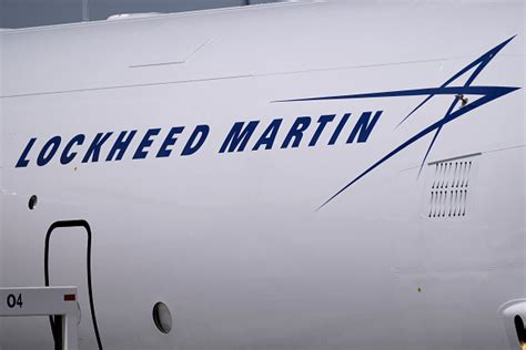 Lockheed Martin Career Fair by Lockheed Schedules Another Fair Hopes To Fill At Least 500 Wfaa