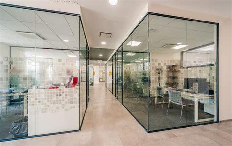 porte de bureau vitr馥 cloison de bureau en verre cloison amovible de bureau en aluminium et verre allinone cloison amovible de bureau en verre cloison amovible