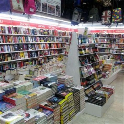 libreria mondadori napoli due nuove librerie aprono al vomero e a via alba
