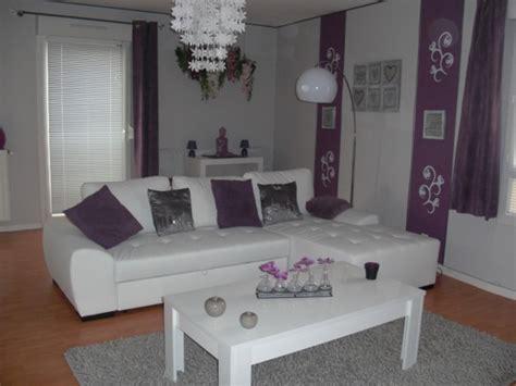 le top 6 des six plus agr 233 ables d 233 corations salon gris blanc violet