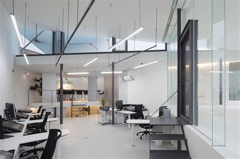 empire flooring headquarters dig architects breaks continuity and generates accidental