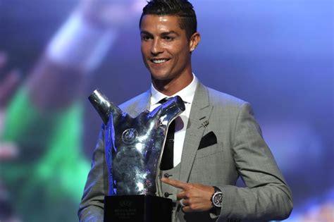 si鑒e de l uefa photos les trophées de l 39 uefa cr7 désigné meilleur joueur