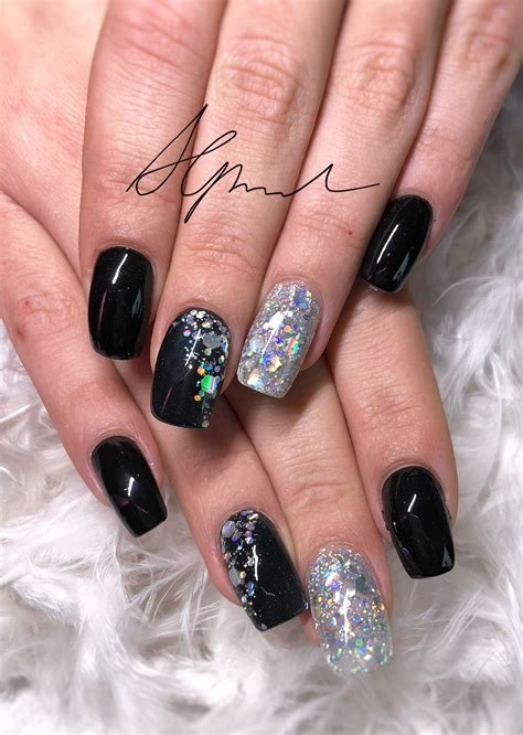nageldesign schwarz silber nageldesign schwarz mit silber glitzer nailart modern