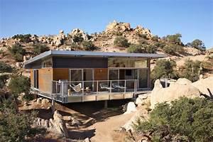 Prefab house in desert, California: Modern Prefab Modular ...
