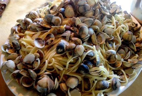 recette de palourdes aux pates le plat du dimanche retour d italie so food so