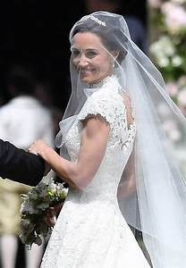 pippa middleton wedding dress giles deacon dress the With pippa middleton s wedding dress