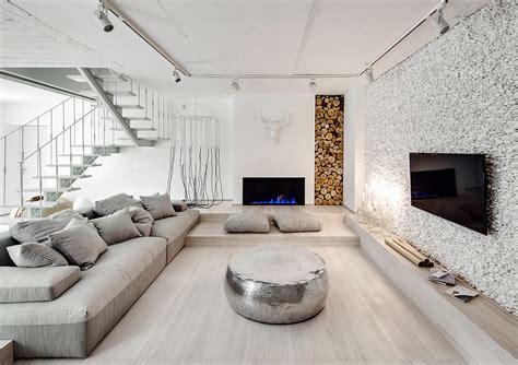 een licht huis met een jaloersmakende marmeren vloer roomed