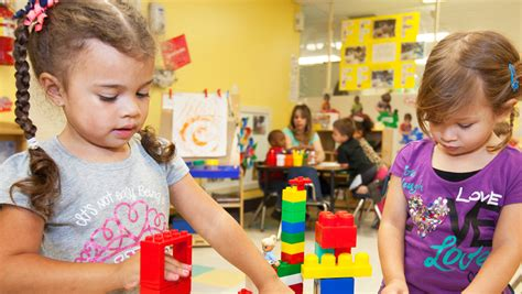 discovery preschool programs    year olds kindercare