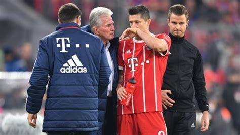 Steht er bayern gegen lewandowski musste nach 63 minuten verletzt ausgewechselt werden, ein gegenspieler war ihm. FC Bayern: Robert Lewandowski muss verletzt runter   Goal.com