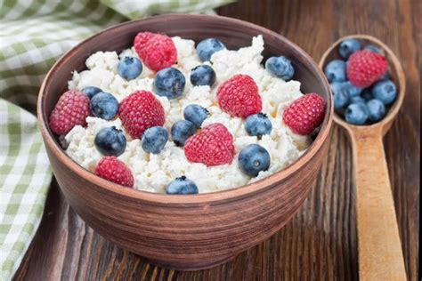 Fruit And Cottage Cheese Different Ways To Eat Cottage Cheese Livestrong