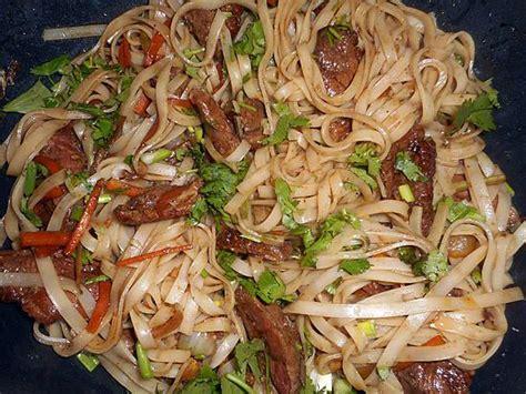 comment cuisiner des nouilles chinoises recette pate de riz 28 images recette du maf 233 sauce