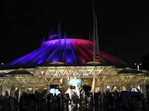 Tokyo Disneyland - Space Mountain