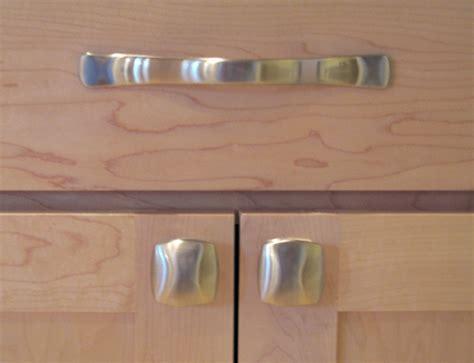 Kitchen Cabinet Hardware Ideas Pulls Or Knobs knobs for kitchen cabinets kitchen design photos