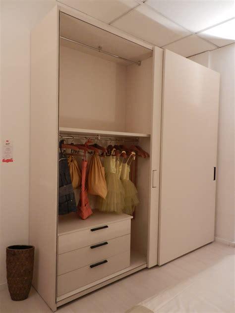 armadi molteni prezzi molteni c armadio mod gliss5th mobili mariani