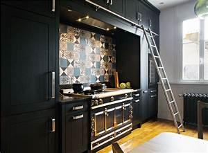 La Cornue Prix : cuisine meubles noirs hauts avec chelle coulissante ~ Premium-room.com Idées de Décoration