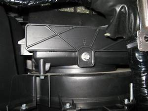 Service Manual  2004 Nissan Pathfinder Armada Cabin Filter Replacement