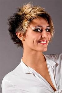 Coole Mädchen Frisuren : coole kurze haare mit stufen coole flotte peppige kurzhaarfrisuren ~ Udekor.club Haus und Dekorationen
