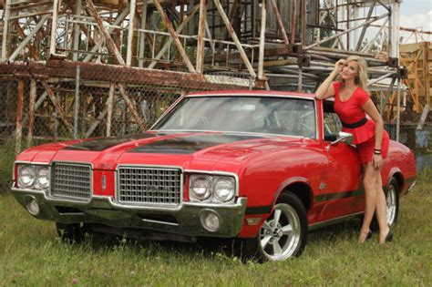 1972 Oldsmobile Cutlass 442 Tribute Red And Black Ostich