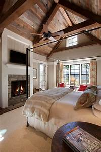 Great country master bedroom zillow digs for Country master bedroom