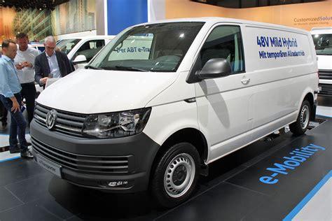 VW reveals mild-hybrid version of Transporter van | Parkers