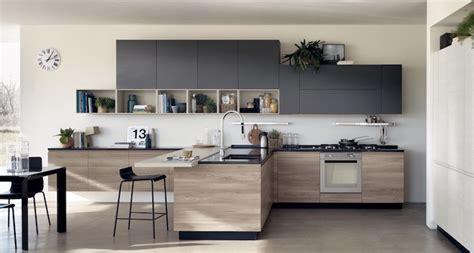cuisine ouverte grise 1001 idées cuisine grise et bois arômes tendance et