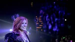Demi Lovato - Vevo Presents- Neon Lights (Live from the ...